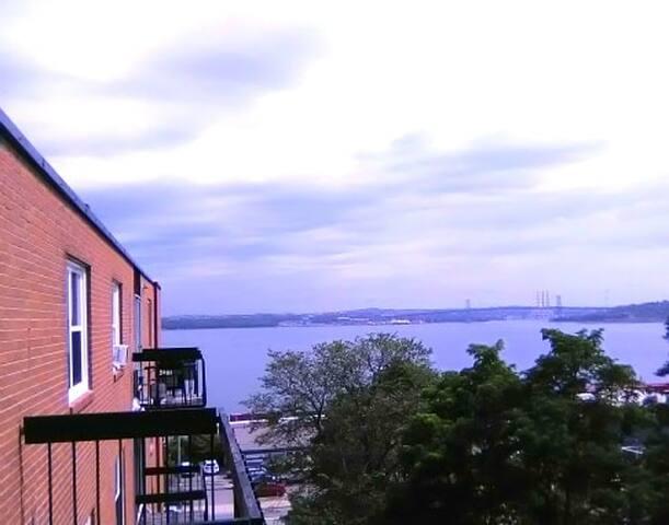 Ocean View Huge Apartment* New furniture soon