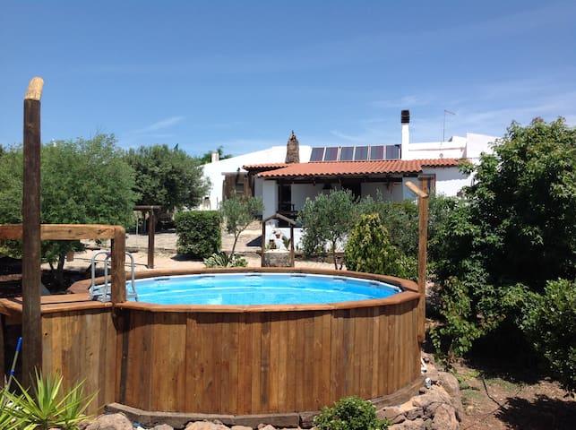 Confortevole casa di campagna con piscina - Nulvi - Huis