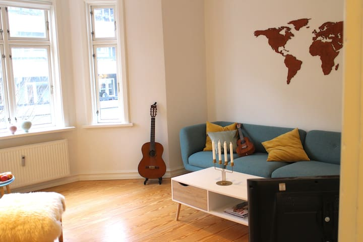 Charming Nordic Apartment (With parking)