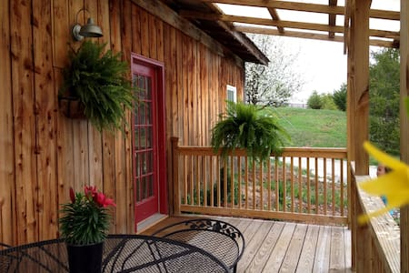 2 Bedrm 1 bath cottage @ StoneLedge - La Grange - Hus