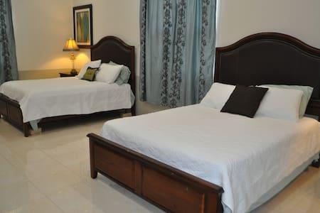 8 Minutes from Xunantunich- 1 Bedroom/2 beds - San Ignacio, Cayo