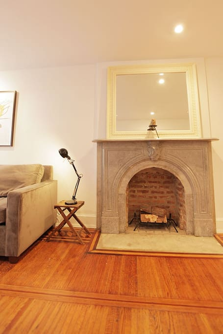 Cozy Traditional Brownstone Apt