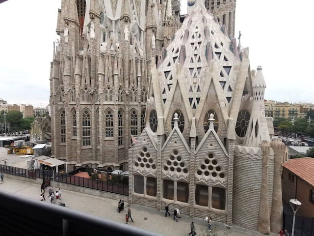 Room for 2 people (A). Sagrada Familia