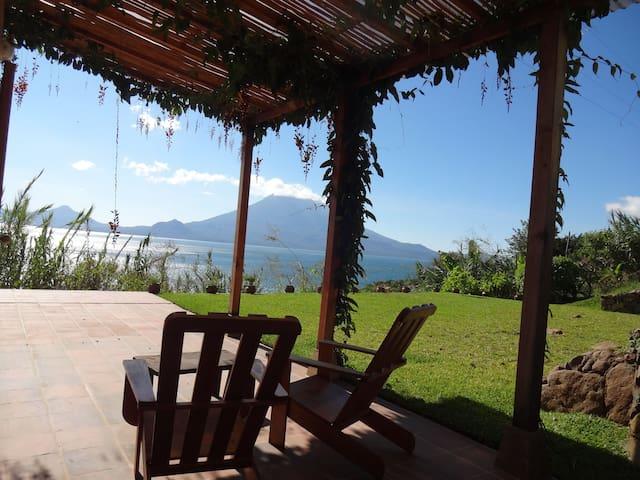 5 volcanoes view, private, WIFI, washer - Santa Cruz la Laguna - Vila