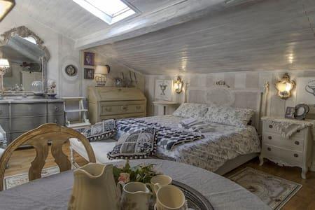 CasaElisabetta2-Splendida camera con bagno privato