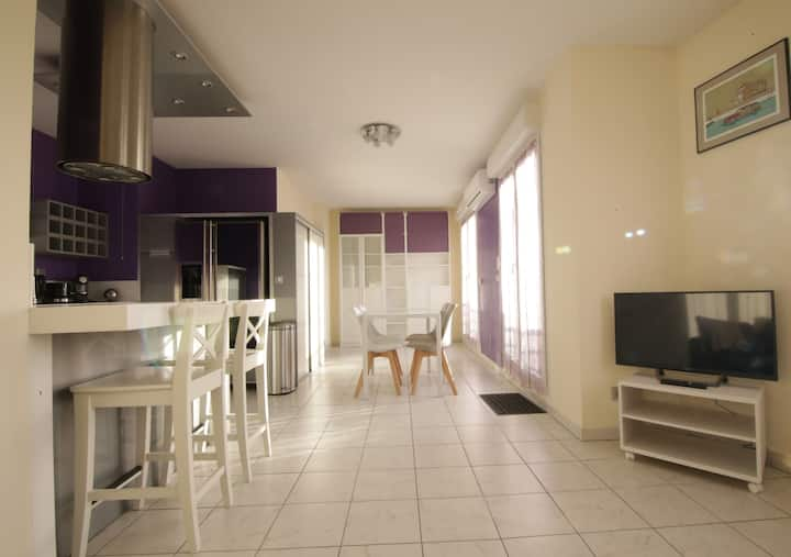 Bright flat close to RER B, Salon Le Bourget, CDG
