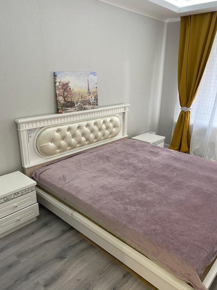 Арт Сити, новая, светлая, уютную квартира:)