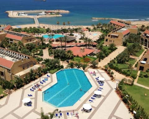 Chalet with pool and beach access- Jiyeh Marina