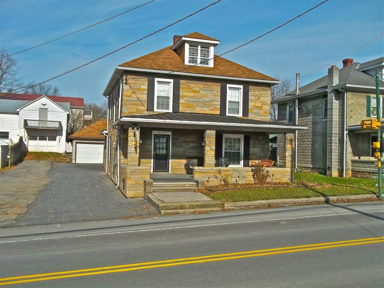 Belleville Private 4BR/1.5 Ba House