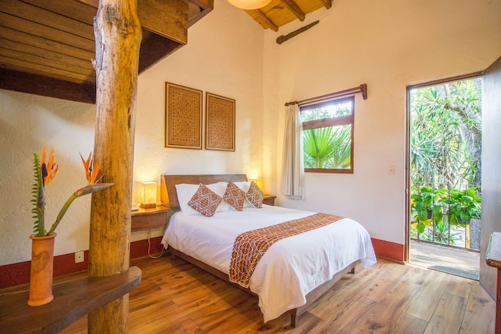 Deluxe Double Room in Valle de Bravo`s Downtown