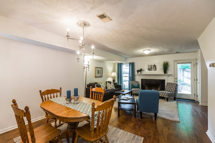 Renovated Downtown Townhouse