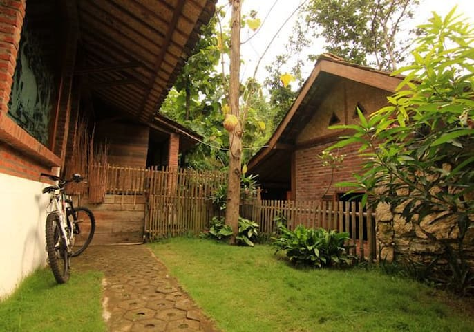 Omah Jegok 'Jungle' Homestay Room02
