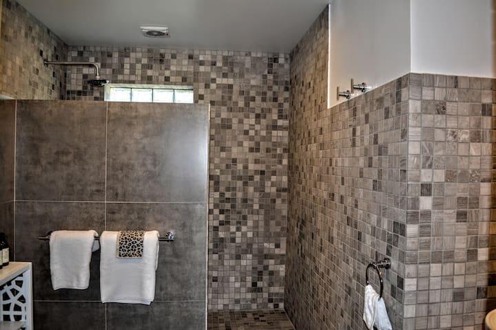 Bottom bathroom
