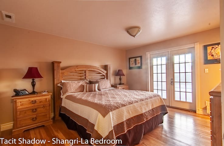"TACIT SHADOW - ""Shangri-La"" King Bedroom"