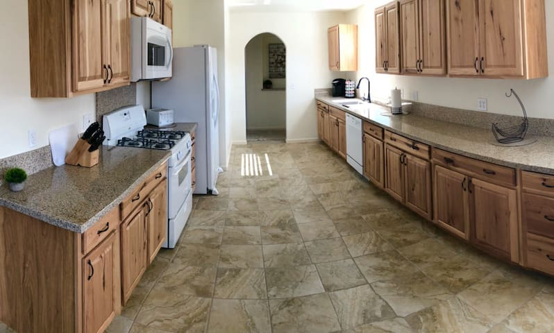 Brand new beautiful Cozy Home in Northwest Reno