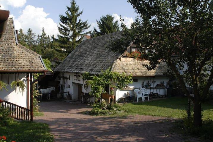 Ispán Guest House Hollókő - Hollókő