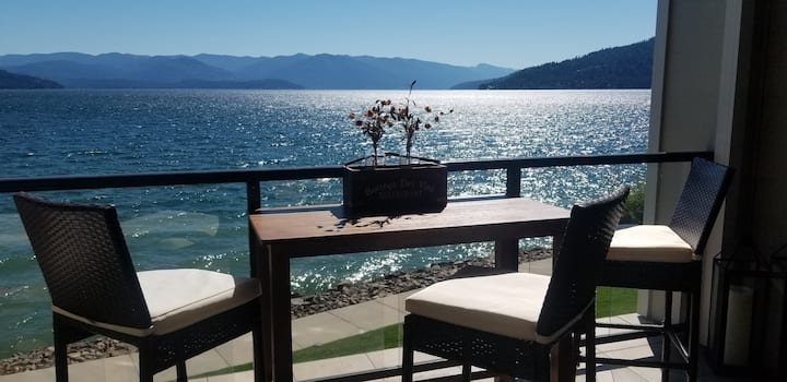Sandpoint Waterfront - Special Monthly Getaways!