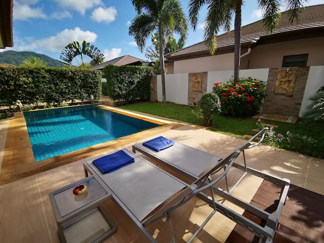 Quality 2-BR Pool Villa close to Bangtao Beach