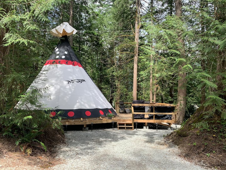 Fraser Canyon Teepee Escape 26 foot luxury teepee