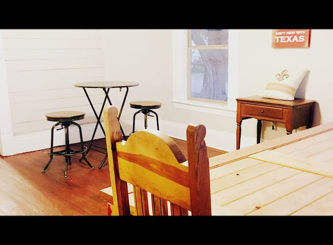 3.3) Hostel 1mi from Downtown & Metrorail - Houston - Ev