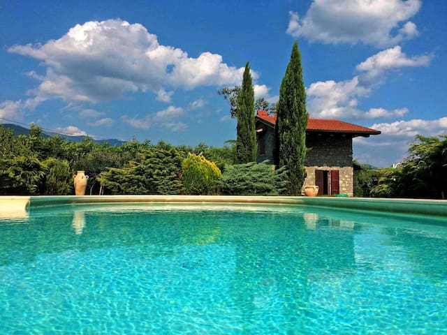 Villa Le due Lune 6 pax with pool , near to 5Terre