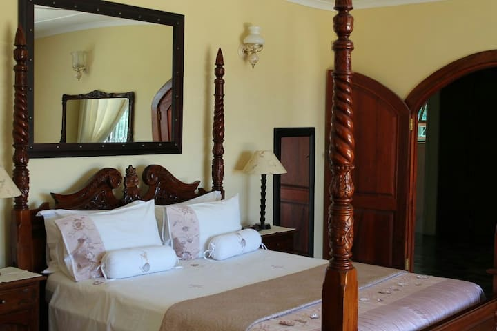 Look Up Guest Farm:Tranquil&Scenic with a sea view