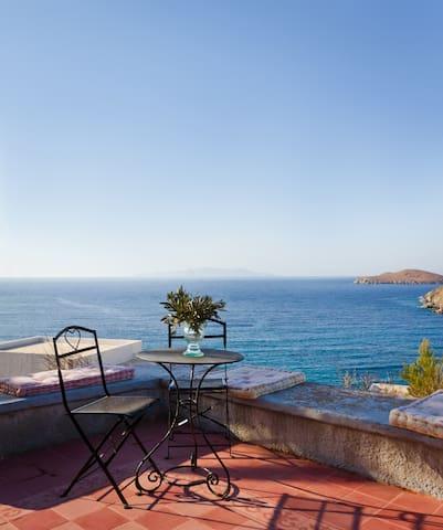 Villa Syriani, Kini, Syros, Cyclade - Kini