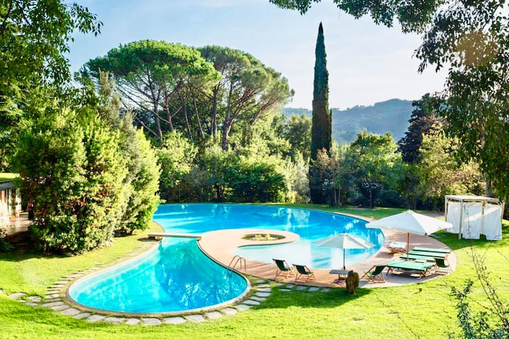 La Medusa VILLA TORO by KlabHouse - 5 BR W/POOL