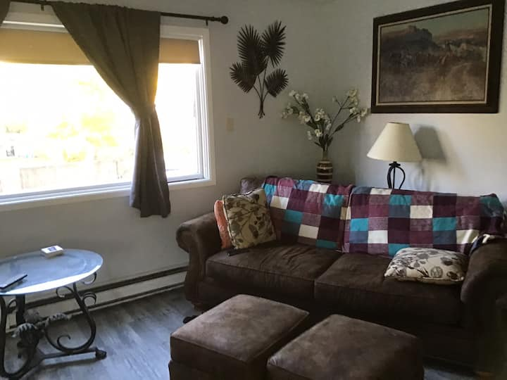 Fully furnished 2bedroom apartment with WIFI.