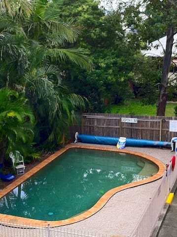 Right on trendy Oxford St Bulimba! - Bulimba - Appartement