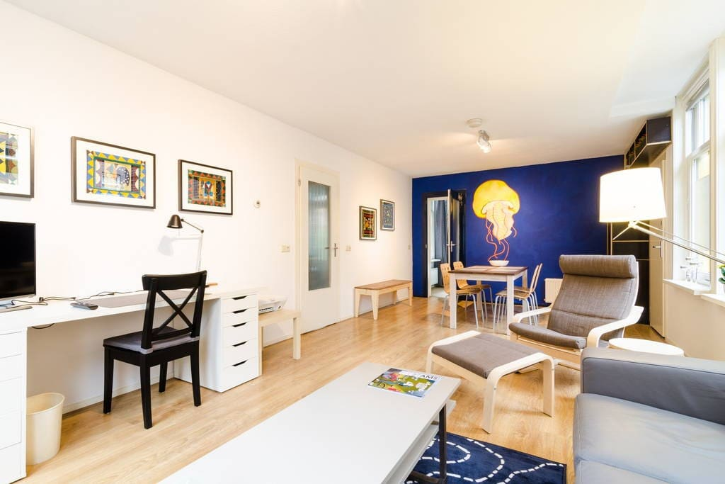 East centre apartment with courtyard garden apartments for Low cost apartments amsterdam