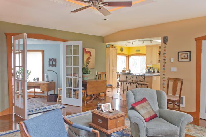 Cozy home for short term rental - Eugene - Casa