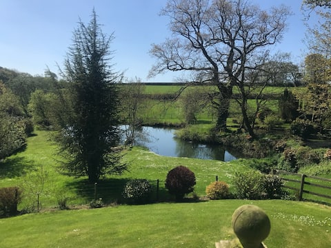 Peace, quiet and a view in the Cornish countryside