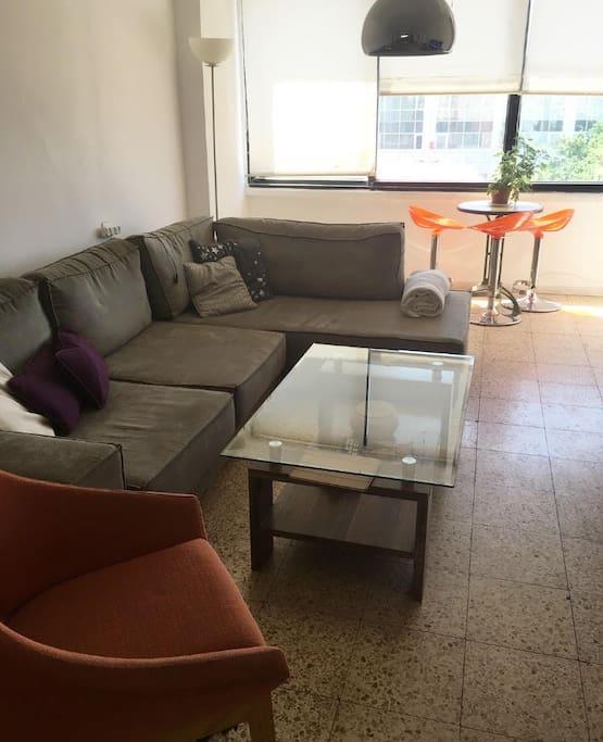 Big & Comfy Living room