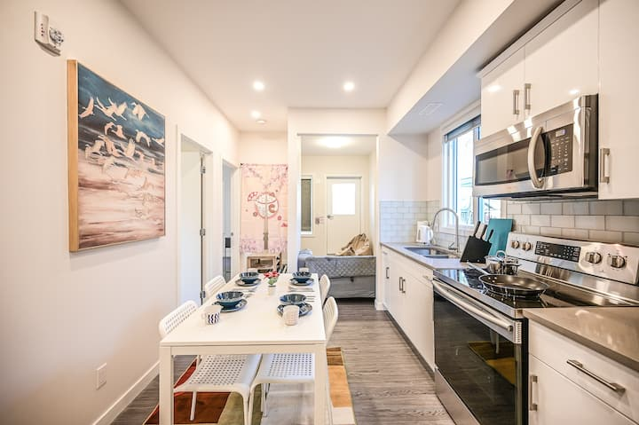 New Japanese-style Luxury 2bdrm suite on Whyte Ave