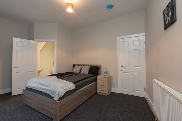 Townhouse @ Rose Street Stoke - Double Ensuite