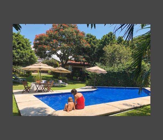 Casa Laurel, Cuernavaca, 3500m jardin, en 1 planta