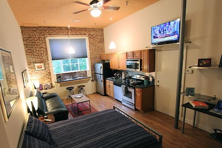 Historic Downtown Studio Loft - Atlanta