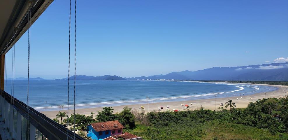 Novo! Apto pé na areia em Indaiá. Vista para o mar