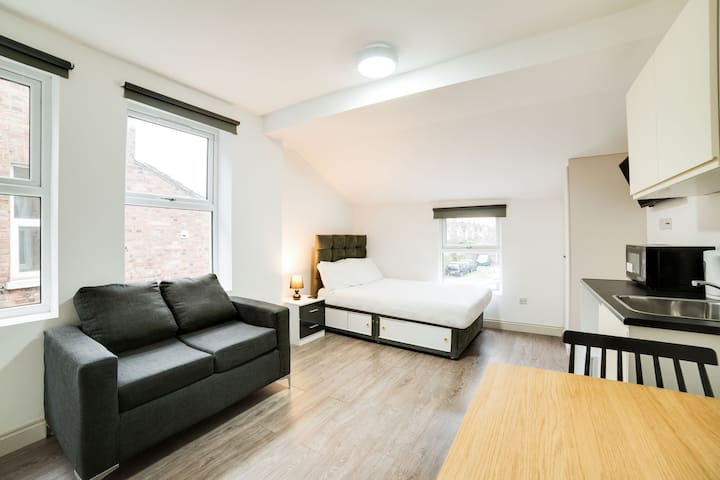 Stylish Studio in London near Wimbledon Park