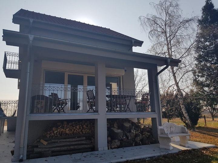 Villa Elli mit schönen Blick und absoluter Ruhe