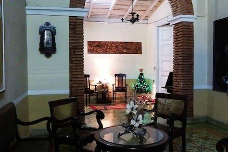 Casa Las Artes Room 2 (TRIN) - Meneses - Hus