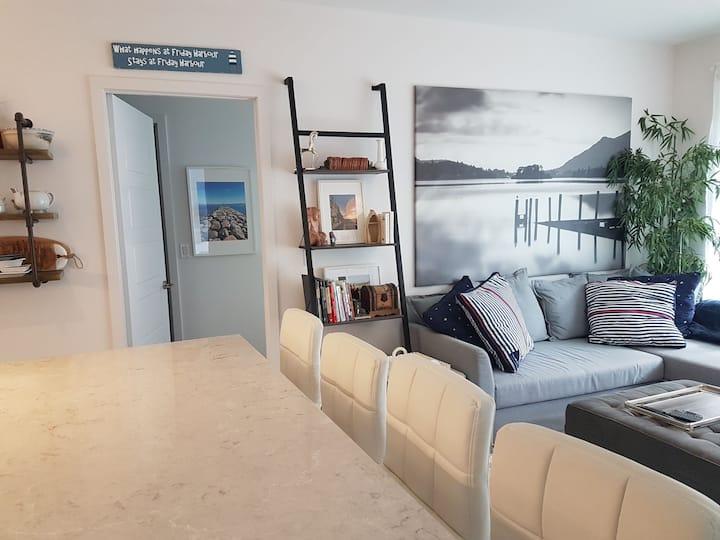 Friday Harbour Luxury 2 Bedroom  2 bath Condo
