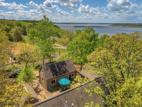 Wooded Retreat with Fireplace near Lake