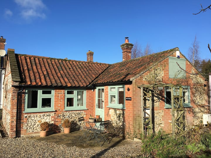 Jotts Cottage @ Jasmine House Norfolk