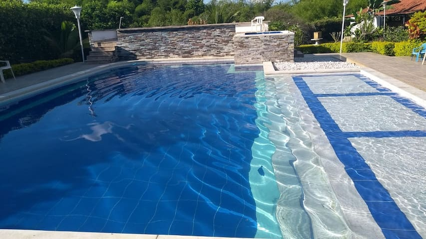 Finca-chalet Transilvania: alojamiento con piscina