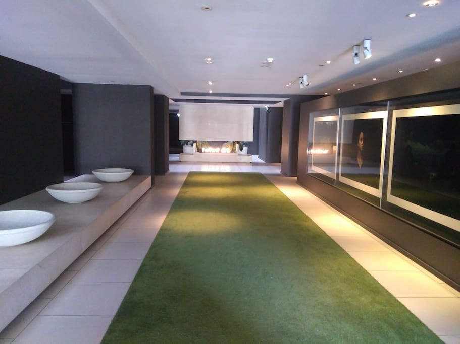 Stunning foyer