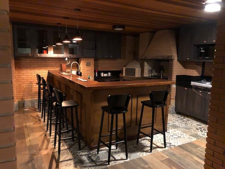 Hibernia Cottage. BnB estilo pub irlandês.