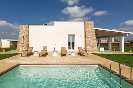 777 Finished Villa with Pool in Presicce - Acquarica del capo - Villa