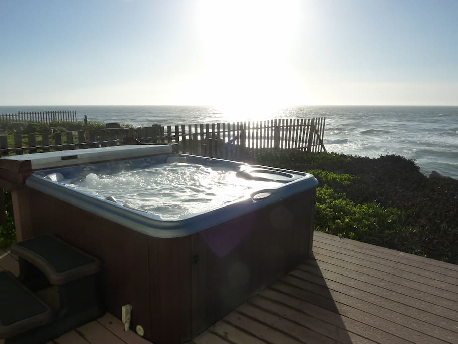 Hot tub in our back yard in ocean front!